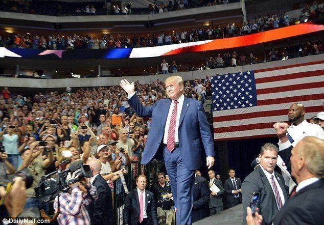 Trump rally texas 2