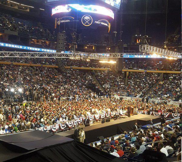 crowd-trump-buffalo-crowd