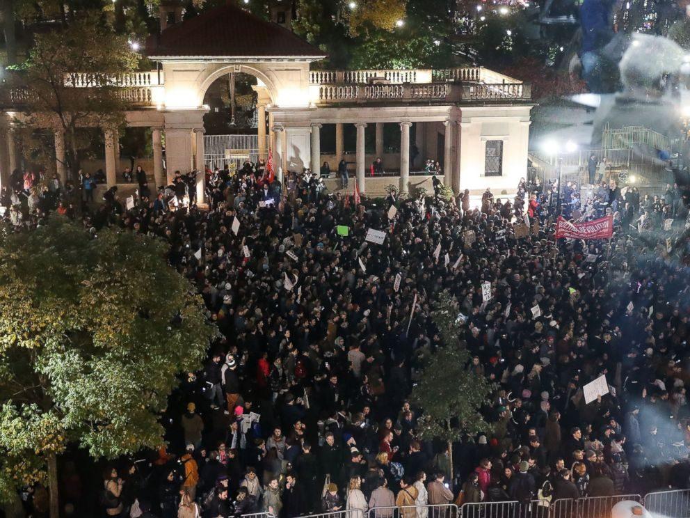 inauguration-gty-trump-protests03-jrl-161109_4x3_992