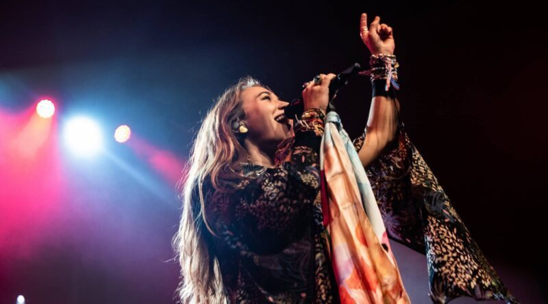 If I Could Sing a Song For Trump...I'd Want To Sing Like Lauren Daigel!